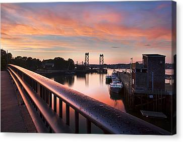 Harbor Sunset Canvas Print by Eric Gendron