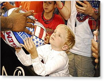 Harlem Globetrotters Star Gazed Fan  Canvas Print by Robert Saunders Jr