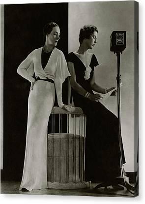 Decolletage Canvas Print - Harriet Hamil And Eleanor Barry by Edward Steichen