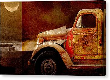 Canvas Print featuring the photograph Harvest Moon by Holly Kempe