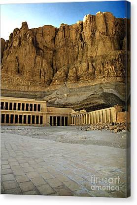 Hatshepsut Temple 01 Canvas Print by Antony McAulay