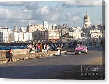 Havanna - Malecon Canvas Print by Juergen Klust