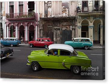 Canvas Print featuring the photograph Havanna Traffic by Juergen Klust