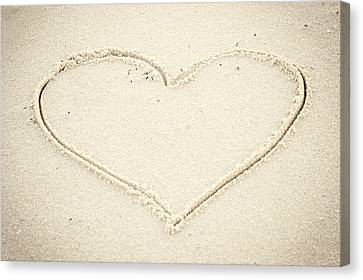 Heart In Sand Seaside New Jersey Canvas Print by Terry DeLuco