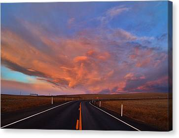 Canvas Print featuring the photograph Heavenly Clouds by Lynn Hopwood