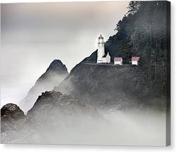 Heceta Head Lighthouse Canvas Print by Leland D Howard