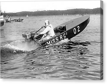Helen Hentshel Of New York Wins The Class B Outboard Races Canvas Print by Underwood Archives