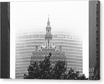 Helmsley Building And Metlife Building In Fog Canvas Print by Nishanth Gopinathan