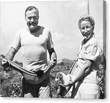 Hemingway, Wife And Pets Canvas Print by Underwood Archives