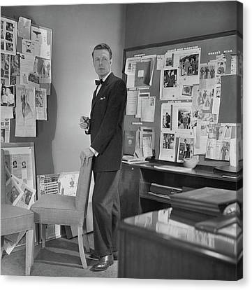 Henry Lee Munson In A Business Suit Canvas Print by Horst P. Horst
