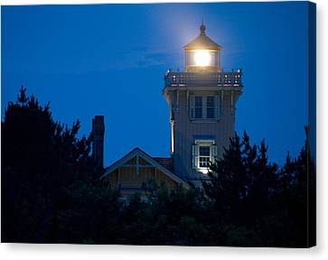 Hereford Inlet Lighthouse At Dusk Canvas Print