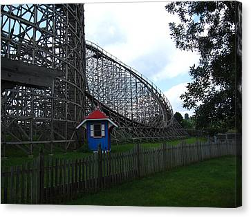 Hershey Park - Wildcat Roller Coaster - 12121 Canvas Print by DC Photographer