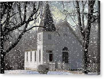 Higgensville Church Canvas Print by Liane Wright
