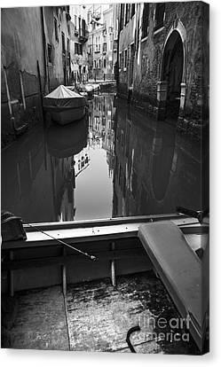 Hidden Corners Of Venice Canvas Print by Yuri Santin