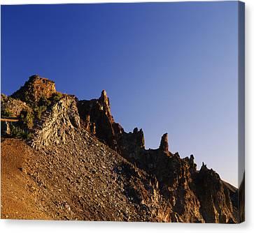 Hillman Peak Crags At Sunrise, Crater Canvas Print