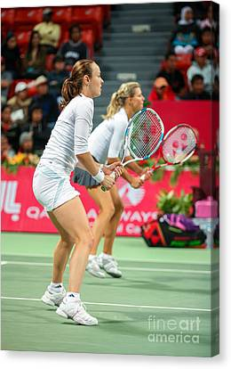 Hingis And Kirilenko In Doha Canvas Print by Paul Cowan