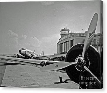 Historic Eastern Airlines Dca Canvas Print by Jost Houk