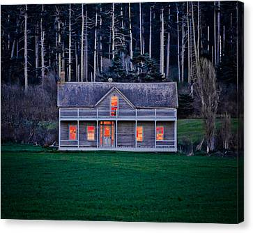 Historic Home At Sunset Canvas Print by Winston Likert