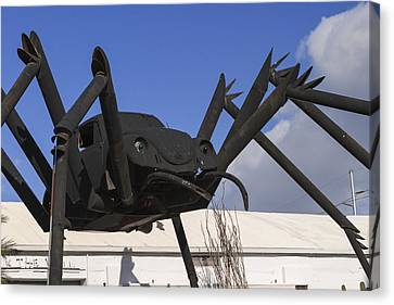 Hole In The Wall Vw Bug Canvas Print by Scott Campbell