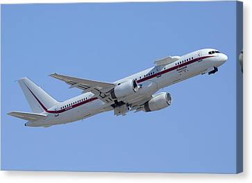 Honeywell Boeing 757 Engine Testbed N757hw Phoenix August 9 2013 Canvas Print by Brian Lockett