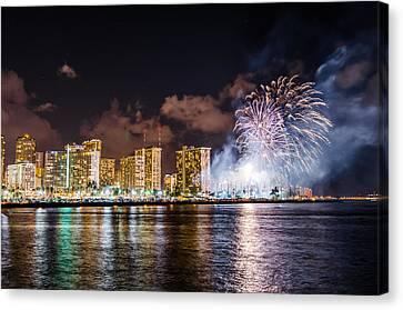 Honolulu Fireworks 1 Canvas Print