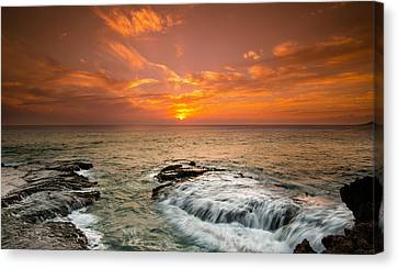 Honolulu Sunset Canvas Print
