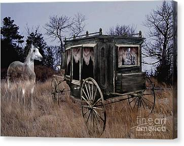 Horse And Carriage Canvas Print by Tom Straub