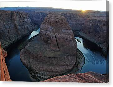 Horseshoe Bend Canvas Print by Robert  Moss