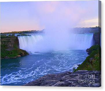 Horseshoe Falls Sunset In The Summer Canvas Print by Lingfai Leung