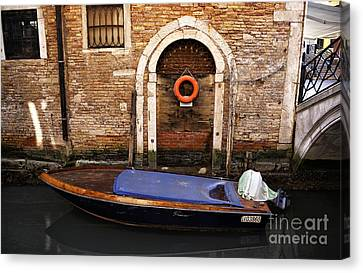 House Boat In Venice Canvas Print by John Rizzuto