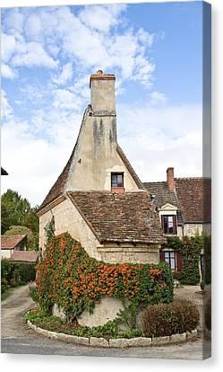 House In Apremont-sur-allier Canvas Print
