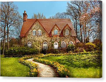 House - Westfield Nj - The Estates  Canvas Print by Mike Savad