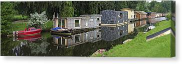 Houseboats In Canal Canvas Print by Hans Engbers