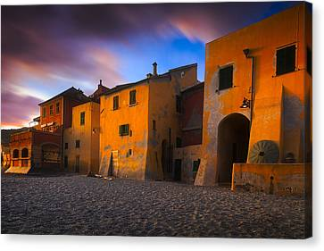 Houses By The Sea 5 Canvas Print by Giovanni Allievi