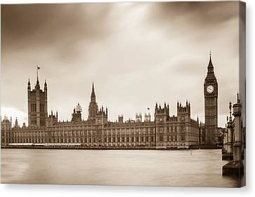 Houses Of Parliament And Elizabeth Tower In London Canvas Print by Semmick Photo