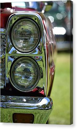 Canvas Print featuring the photograph Hr-46 by Dean Ferreira