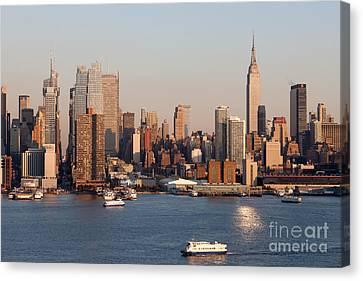 Hudson River And Manhattan Skyline I Canvas Print by Clarence Holmes