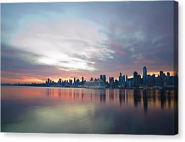 Hudson River Sunrise Nyc Canvas Print