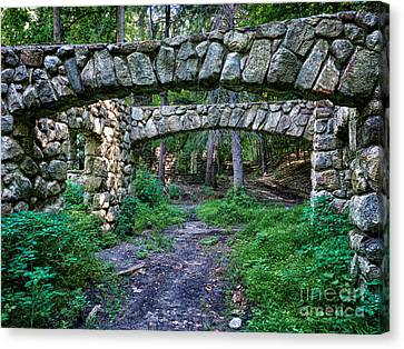 Hudson Valley Ruins 9 Canvas Print by Bob Stone