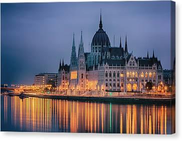 Hungarian Parliament Dawn Canvas Print by Joan Carroll