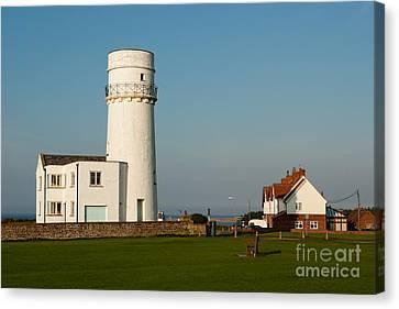 Hunstanton Lighthouse Norfolk Uk Canvas Print by John Edwards