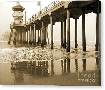 Huntington Beach Pier - Vintage Canvas Print by Cheryl Del Toro