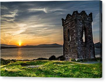 Hussey's Folly  Canvas Print by Florian Walsh