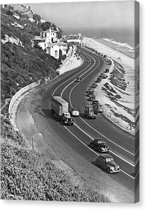 Hwy 101 In Southern California Canvas Print by Underwood Archives