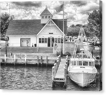 D700 Canvas Print - Hyannis Coastguard Bw01 by Jack Torcello