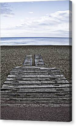 Hythe Beach Kent Canvas Print by Lesley Rigg