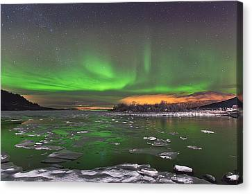 Ice And Auroras Canvas Print by Frank Olsen