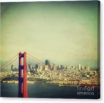 Iconic Golden Gate Bridge Canvas Print