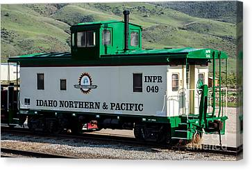 Idaho Northern And Pacific Railroad Caboose Canvas Print by Gary Whitton