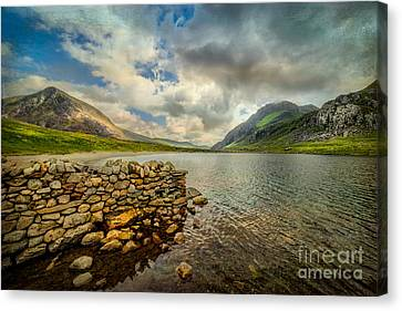 Cwm Idwal Canvas Print - Idwal Lake by Adrian Evans